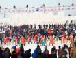 겨울철 물고기잡이 축제, 관광객들 즐거워