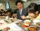 日本校园午餐 只是图片好看吗?