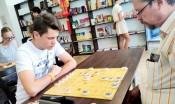 一个白俄罗斯家庭:我们爱下中国象棋