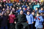 金正恩视察新建的平壤孤儿小学
