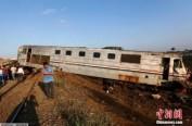 埃及火车相撞已致49死100伤 死亡人数或还会增加