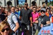 前NBA巨星科比空降海口:身材恢复人气不减