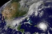 """飓风""""组团""""肆虐非同寻常?敲响气候变化警钟"""