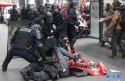 """法国举行""""全法公务员大罢工"""" 540万公务员参加让法国快瘫痪了"""