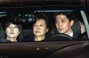 """朴槿惠迎来""""命运星期五"""" 是否重获自由今日揭晓"""