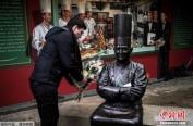 """连夺52年米其林三星 91岁法国""""厨神""""逝世"""