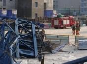 韩京畿道发生塔吊倒塌事故 致3人死亡