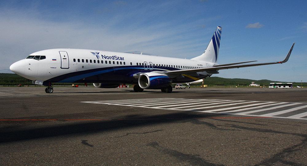 """卫星新闻莫斯科5月30日电 索契市长阿纳托利帕霍莫夫向卫星新闻通讯社表示,该市将于2016年夏季开通飞往乌鲁木齐的旺季定期航班。 据他称,中国旅行社与俄罗斯泰梅尔航空公司目前就有关首条乌鲁木齐直飞索契定期航线的谈判处于收尾阶段,预计该航线将于2016年夏季开通。 索契市长表示:""""索契机场目前正在就6月14日至10月11日期间开通索契-乌鲁木齐-索契航班的时间进行磋商,每周周二执行1班。我希望,开通首条飞往中国的航线后,还将开通其它的航线。"""" 此前有消息称,索契国际机场计划开通直飞成都的航班"""