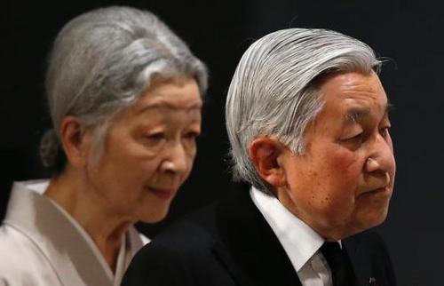 日本政府召开内阁会议通过天皇退位特例法案