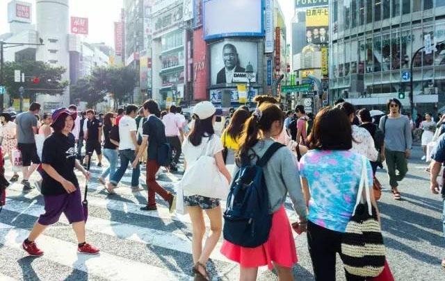 日本人口跌幅再创新高 在日外国人口增长明显