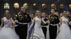 盛大典礼!俄罗斯克里姆林宫举办年度军官舞会