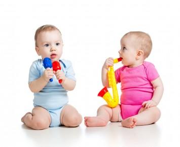 給寶寶選購塑料玩具要做到這5點