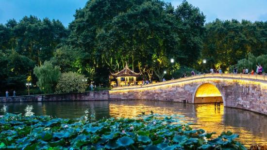Почему китайский город Ханчжоу выбран местом проведения саммита